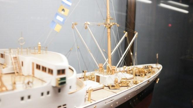 船のミニチュア